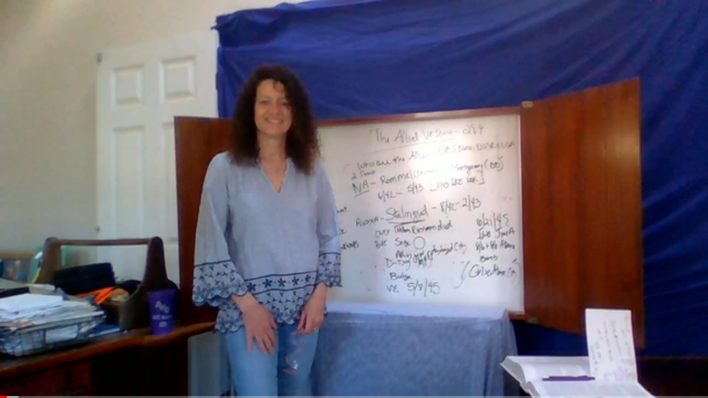 Social studies teacher Elizabeth Creamer teaching class from home.