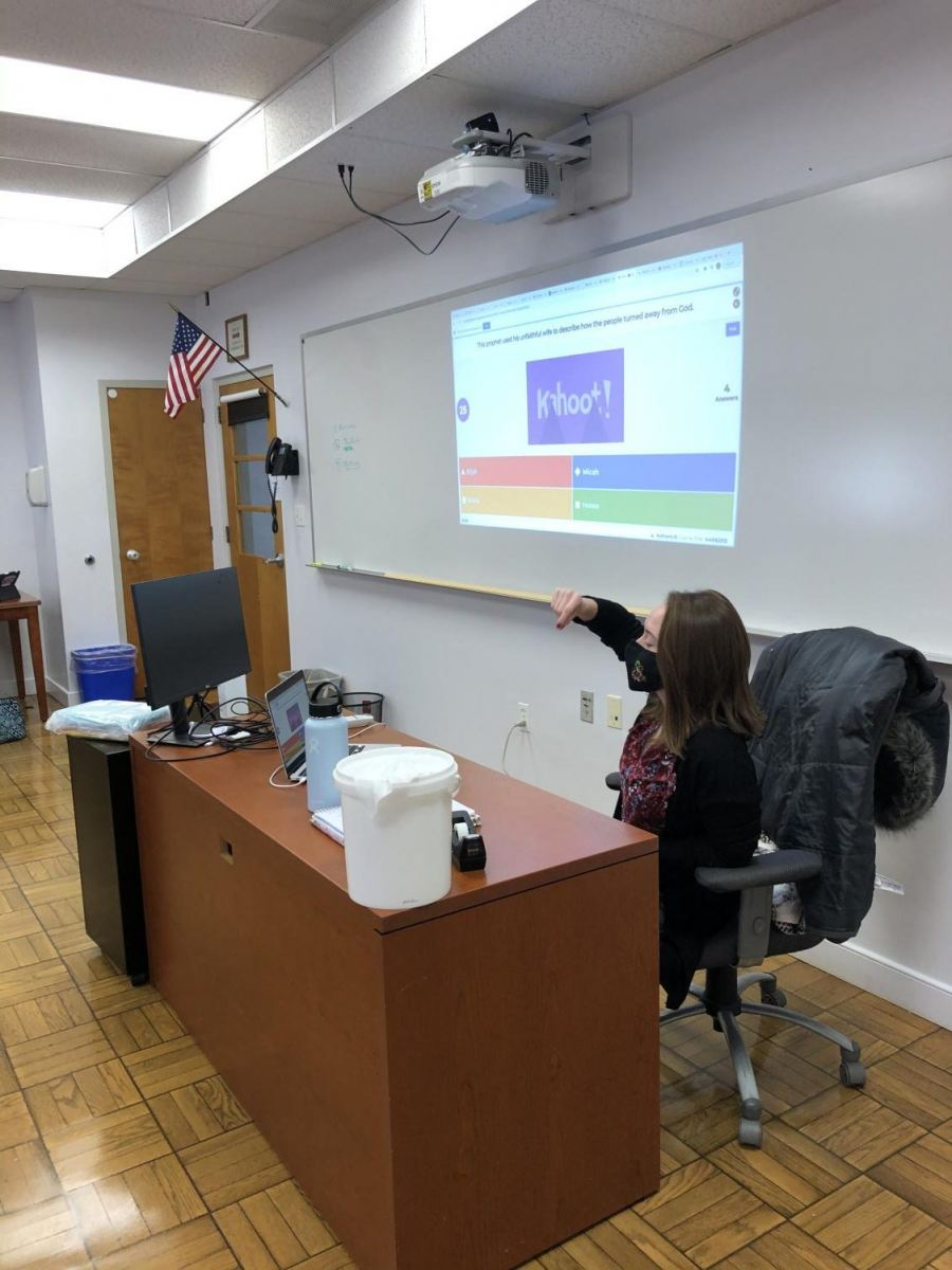 Pr eparing for a test with Kahoot.