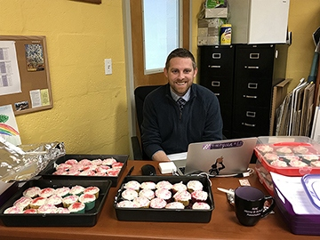 Mr. Cristian baked over 120 cupcakes for his students for Valentine's Day!  Such a dedicated history teacher!