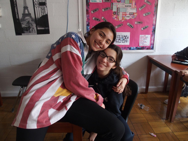 Juniors Isabella Fontana and Caroline Ionata in IB Economics.
