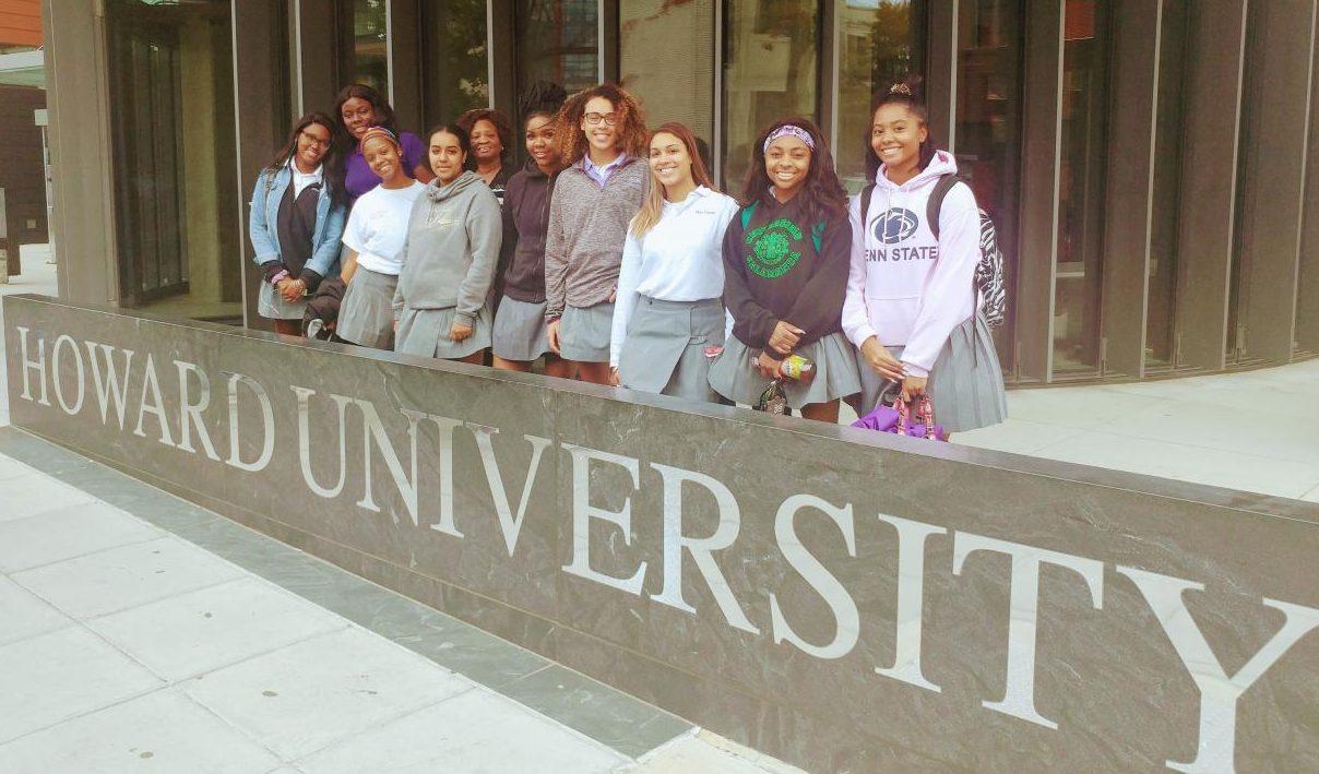 Seniors from Onyx Club visiting Howard University