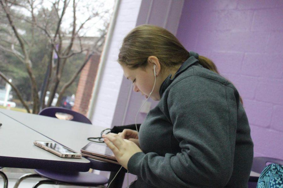Sophomore Hannah Willams working diligently on homework