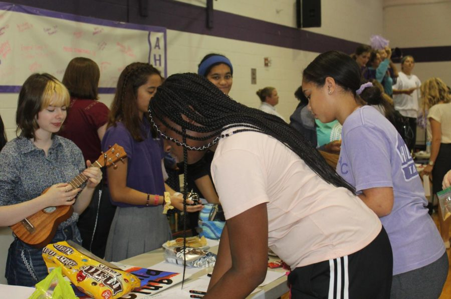 Signing up for Performing Arts clubs at the club fair